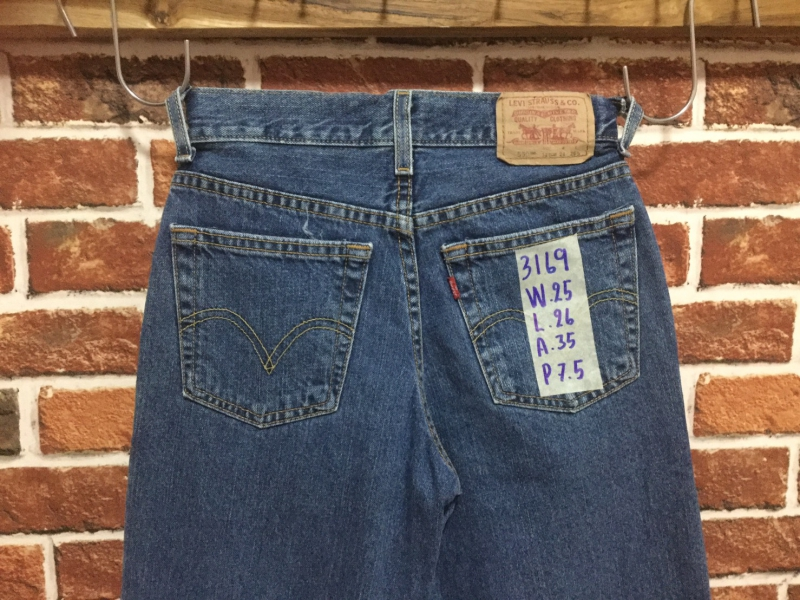 รหัส3169 Levi's550  Made in Mexico